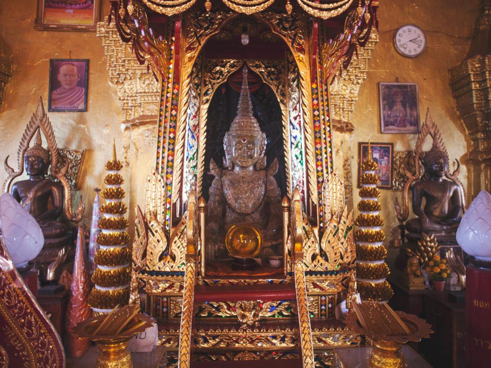 Intérieur d'un temple de Vientiane