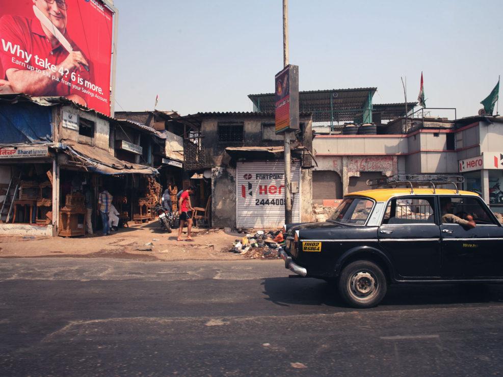 Un taxi dans les rues de Mumbai